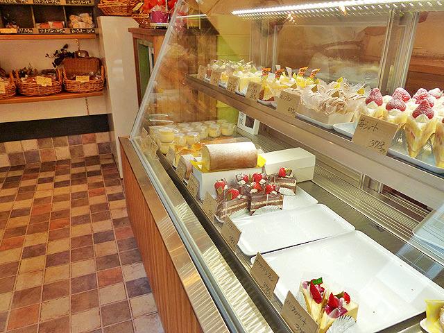 ケーキ屋さん「ブリエブラン」の店内の様子