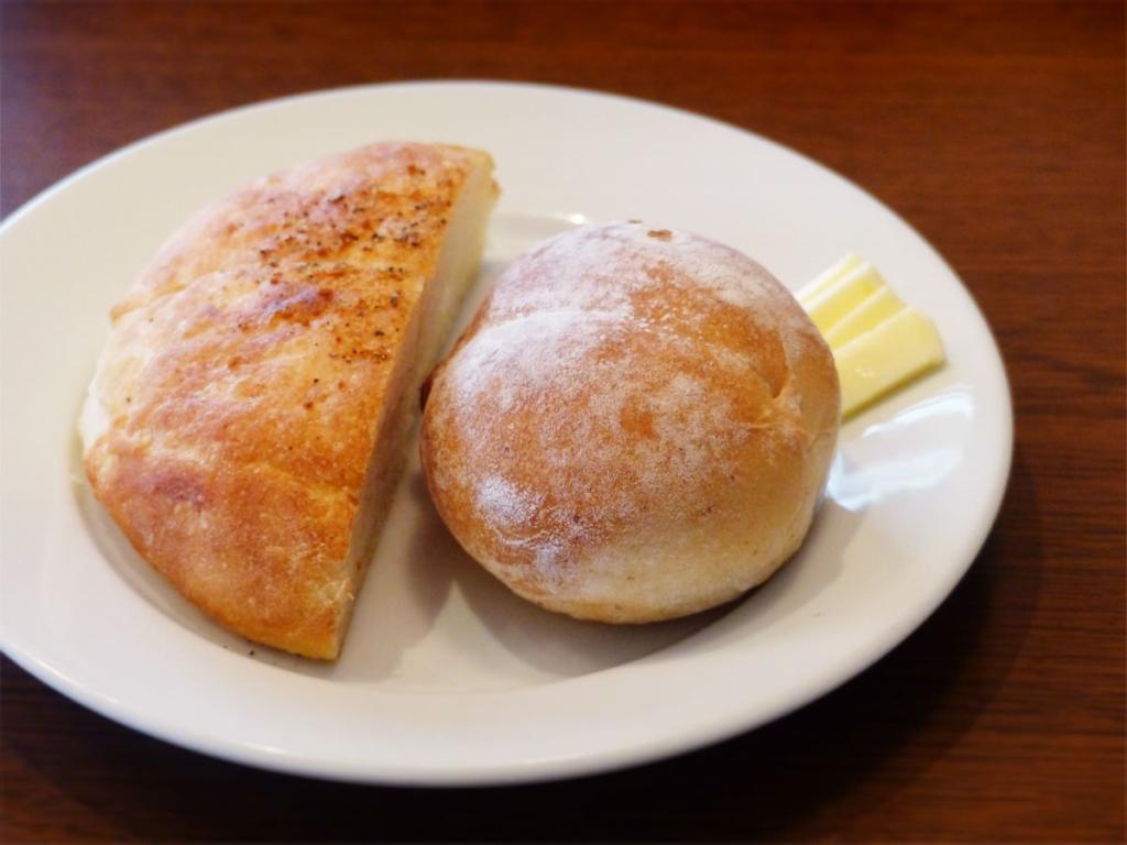 自家製パンの写真