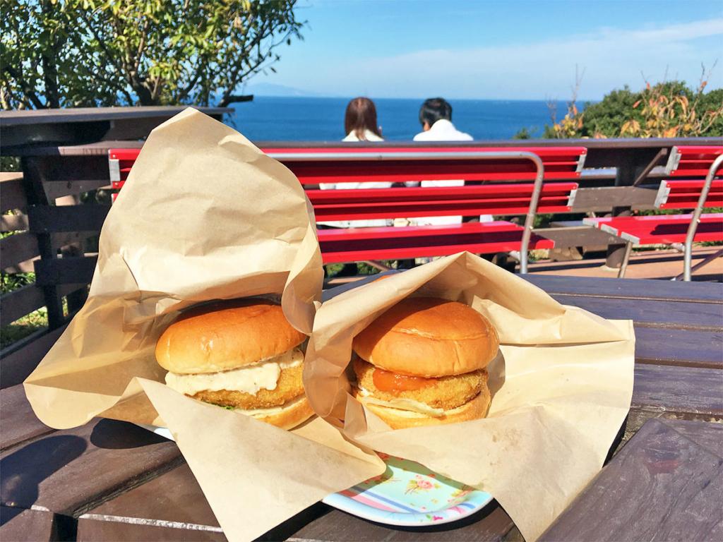 淡路島オニオンキッチンの「淡路島バーガー」の写真